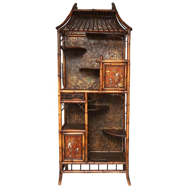Beautiful 19th Century English Bamboo Pagoda Étagère or Bookcase For Sale