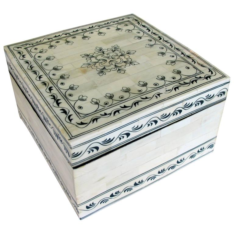 Intricately Decorated Moroccan Bone Box with Hinged Lid