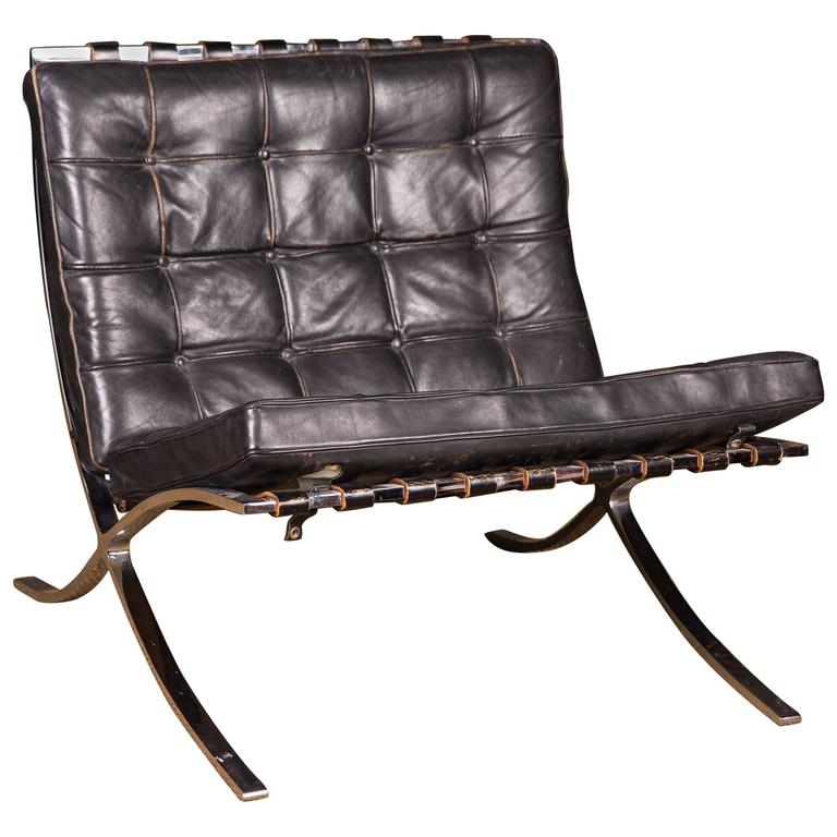 beautiful barcelona chairs designed by mies van der rohe. Black Bedroom Furniture Sets. Home Design Ideas