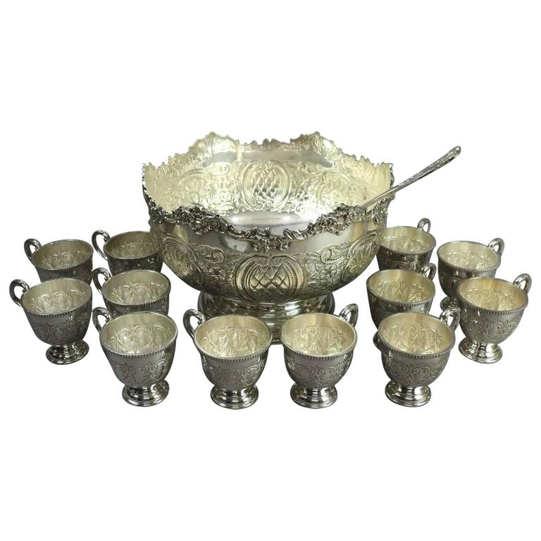 Vintage English Sheffield Silver Plate Punch Bowl 12 Cups u0026 Ladle circa 1940 For  sc 1 st  1stDibs & Vintage English Sheffield Silver Plate Punch Bowl 12 Cups and Ladle ...