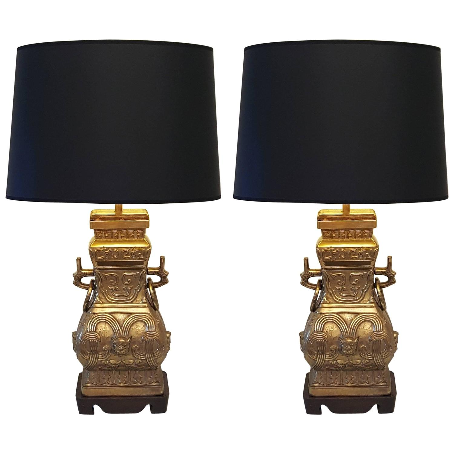 Chinoiserie lighting light fixtures 214 for sale at 1stdibs pair of impressive bronze brass chinese chinoiserie urn table lamps arubaitofo Gallery