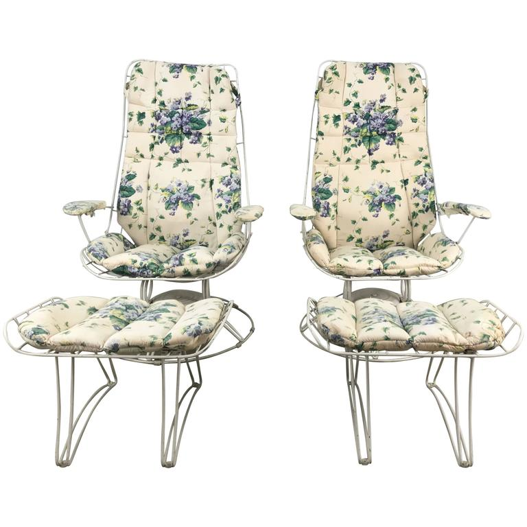 Pair of Modernist Iron Tilt Swivel Lounge Garden Chairs and Ottomans, Homecrest