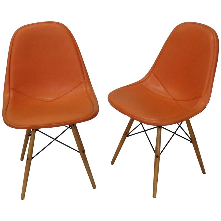 Pair of Early Charles and Ray Eames for Herman Miller Dowel Leg Wire Chairs 1