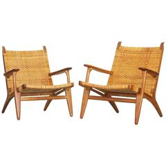 Beautiful Pair of Lounge Chairs by Hans J. Wegner for Carl Hansen CH 27