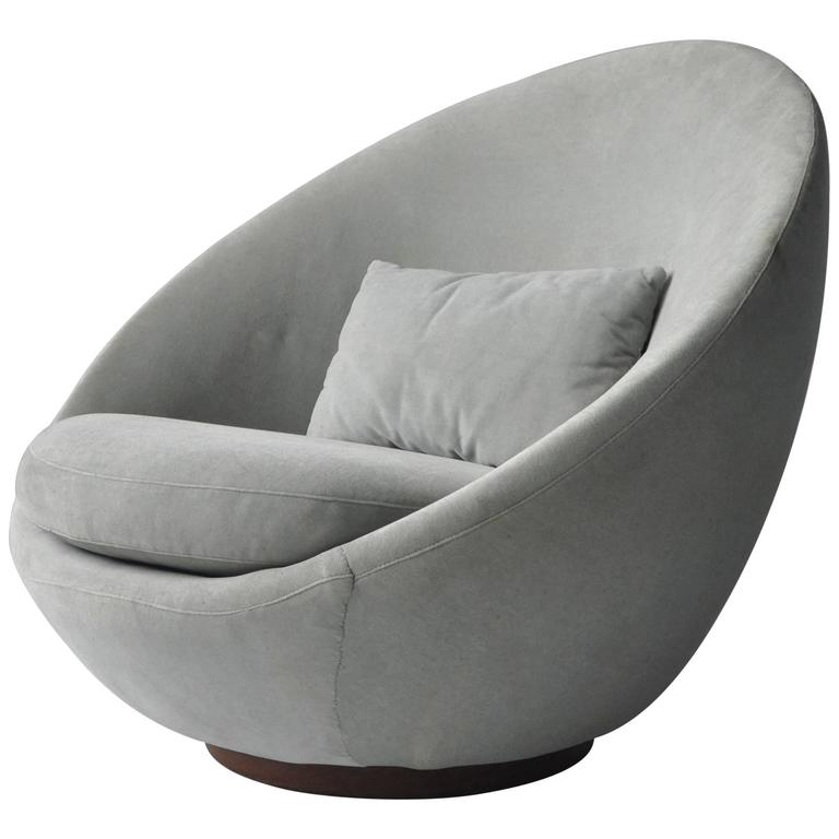 Milo Baughman Swivel Lounge Chair For Sale