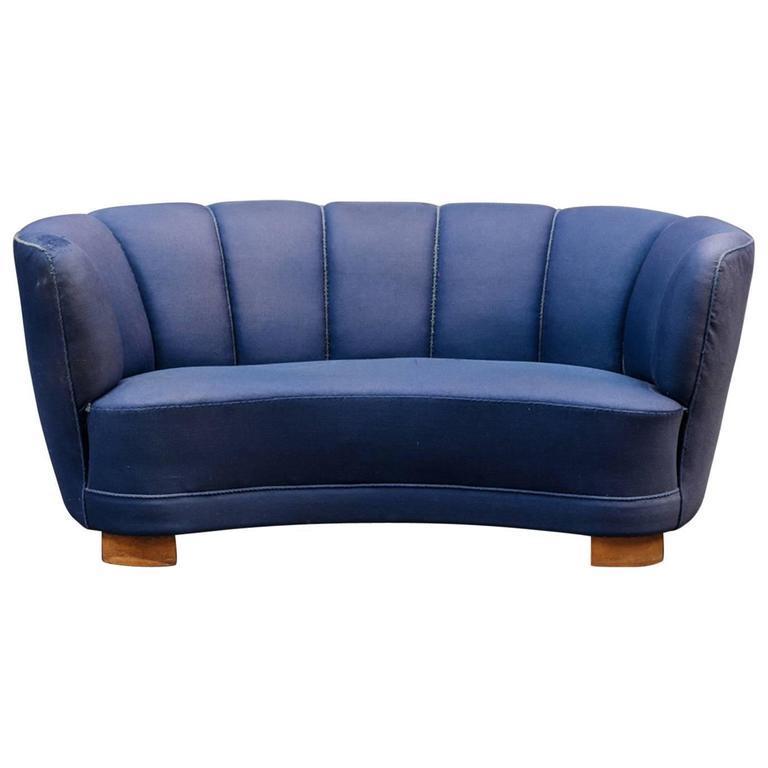 Banana Form Sofa 1