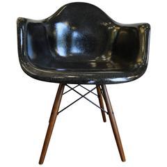 Eames Herman Miller Zenith Parchment Dowel Leg Chair
