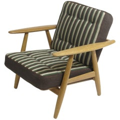 Hans Wegner Cigar Lounge Chair in Oak