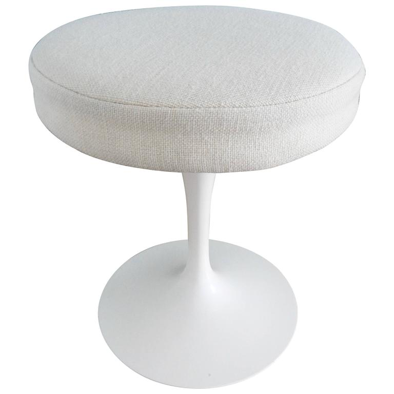 Eero Saarinen, Tulip Stool for Knoll, 1970s 1