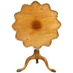 Mid-18th Century Design Mahogany Shaped Tilt Table