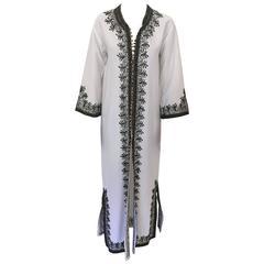 Vintage Moroccan White Caftan Maxi Dress circa 1970 Size S to M