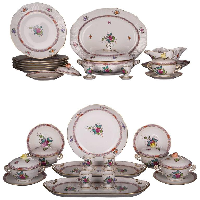 Extensive Rare Herend Dining Service Porcelain with a Lot of Flowers and Gold