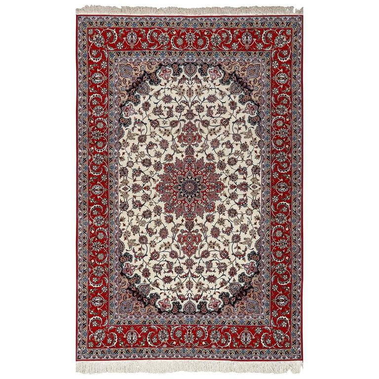 Ivory Vintage Isfahan Persian Rug For Sale