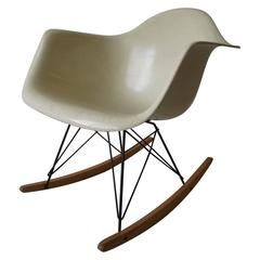 Charles Eames Herman Miller, 1955 Rocking Chair Two Triangle Summit Mark