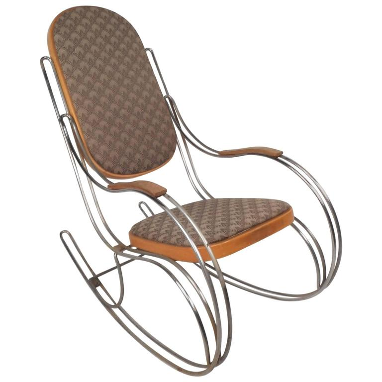 Amazing Mid Century Modern Rocking Chair In The Style Of Thonet For Sale