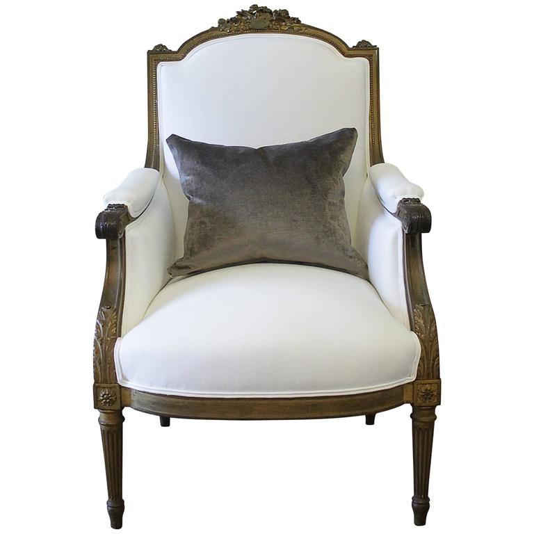 antique louis xvi style giltwood bergere chair in white linen for sale at 1stdibs. Black Bedroom Furniture Sets. Home Design Ideas