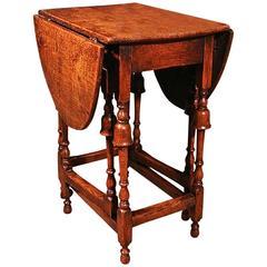 Diminutive 'Queen Anne' Oak Side Table