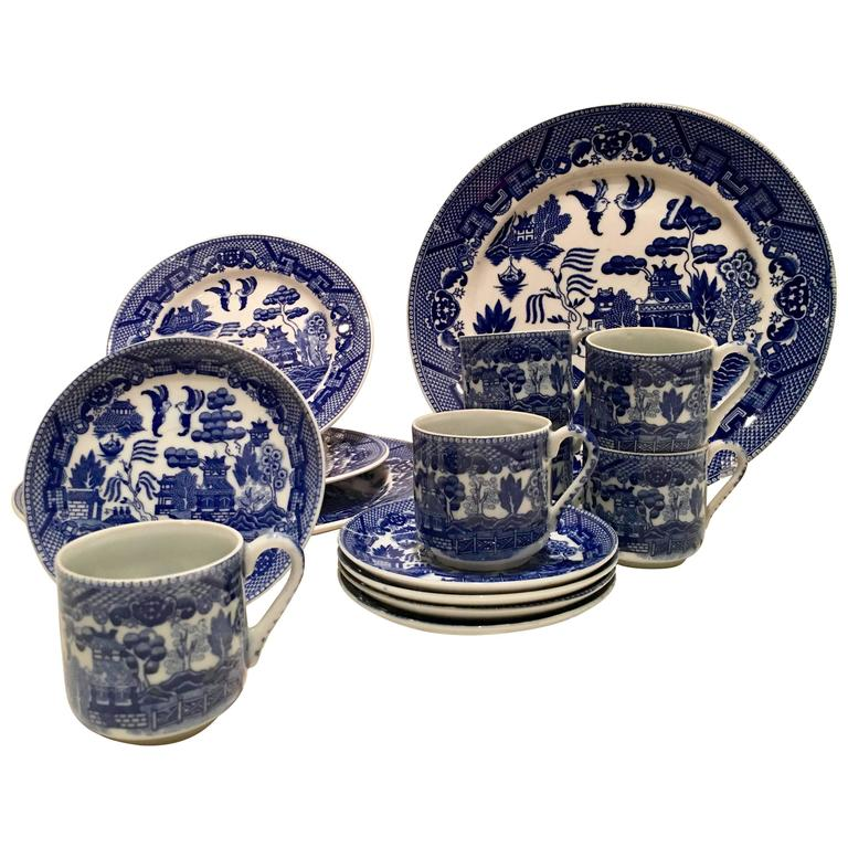 Antique Japanese Blue Willow Ironstone Dinnerware Set of 15 For Sale  sc 1 st  1stDibs & Antique Japanese Blue Willow Ironstone Dinnerware Set of 15 For Sale ...