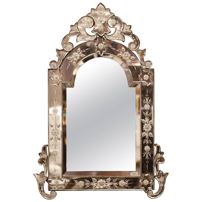 Early 20th Century Medium Size Venetian Mirror with Crest
