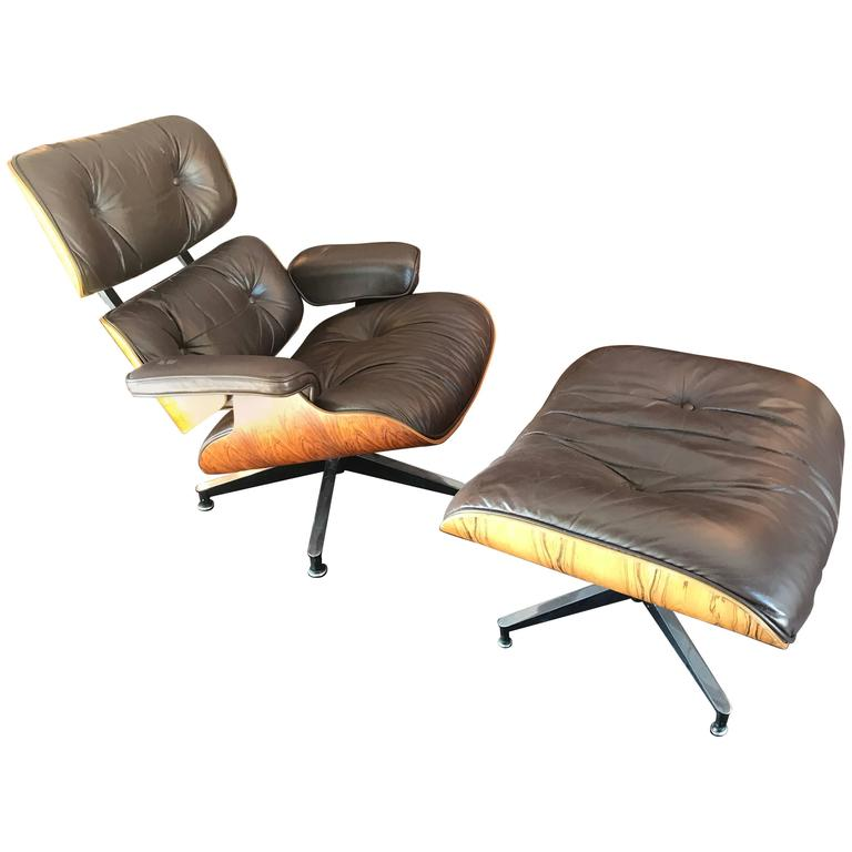 Vintage Eames Lounge Chair and Ottoman Brown Leather Rosewood For Sale at 1st