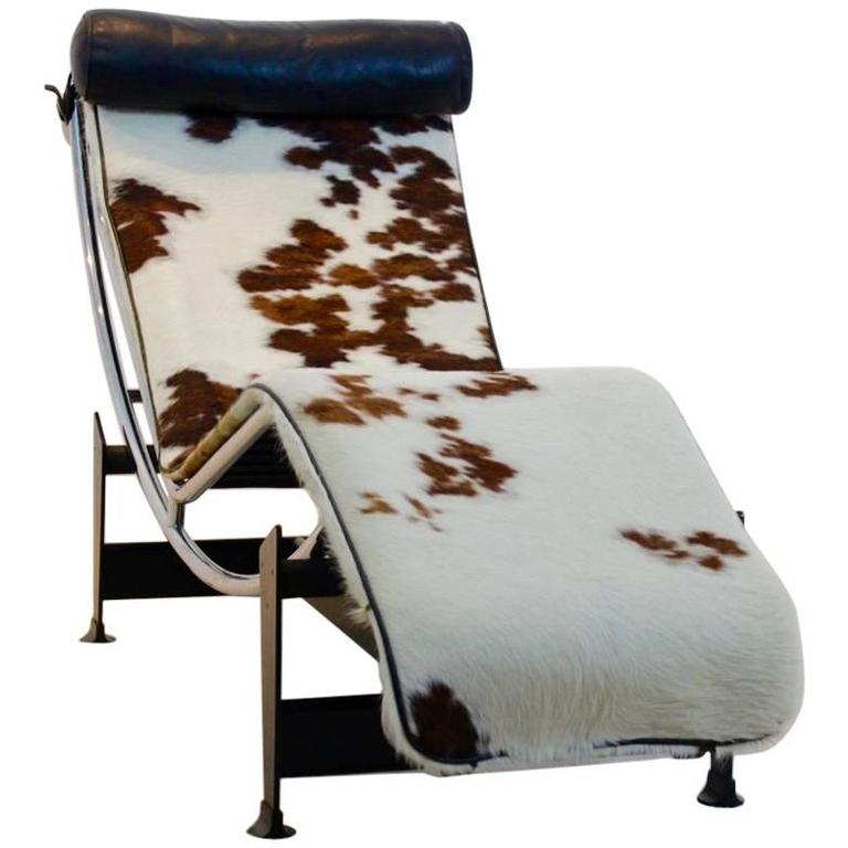 Le corbusier pony skin lc4 for cassina by pierre jeanneret for Chaise longue pony