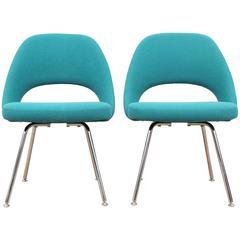 Mid-Century Modern Scandinavian Pair of Executive Chairs by Eero Saarinen