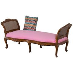 Antique French Louis XV Period Walnut Daybed Chaise Longue circa 1760