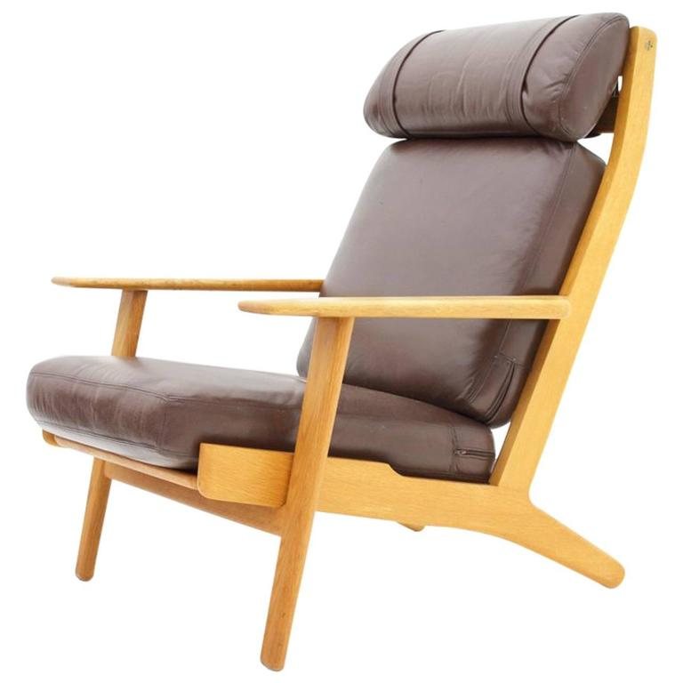 Hans J. Wegner Lounge Chair GE 290 in Oak and Leather, GETAMA Denmark