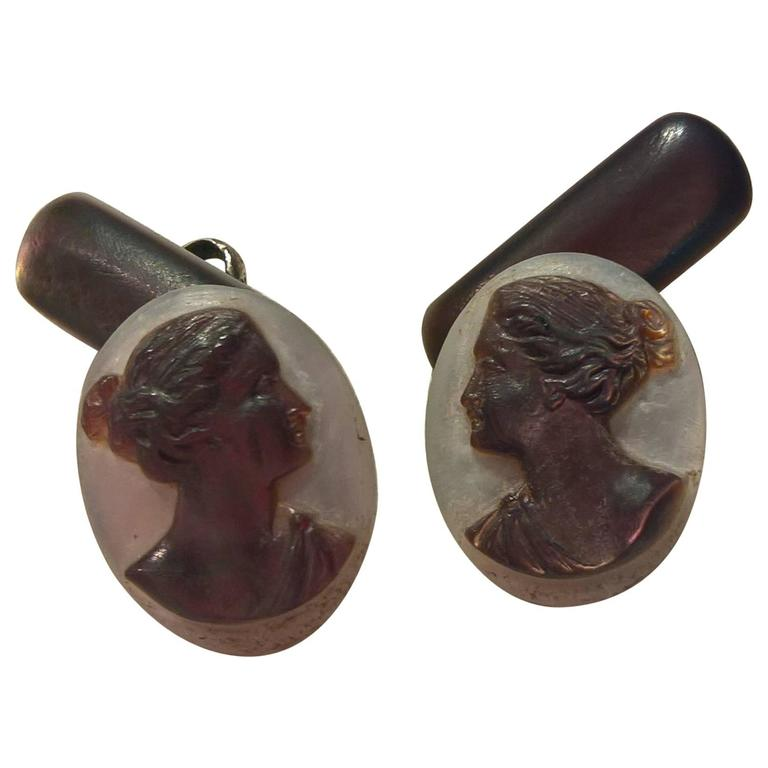 Art Deco Austrian Pair of Cufflinks in Mother-of-Pearl