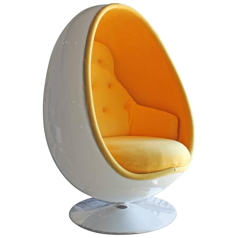 Ovalia Egg Chair By Thor Larsen For Sale
