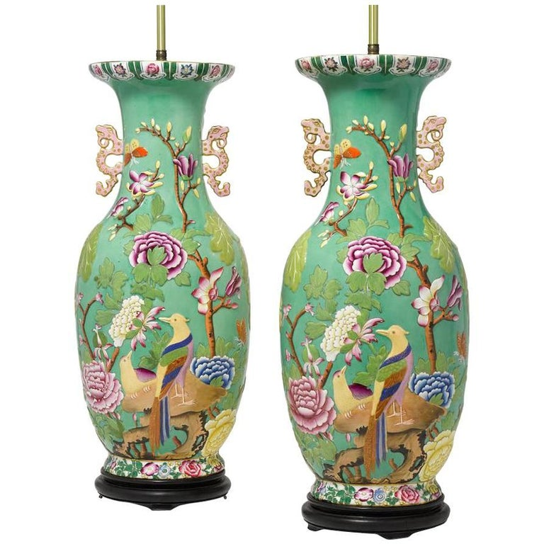 Pair of English 19th-20th Century Chinoiserie Style Porcelain Vases Table Lamps