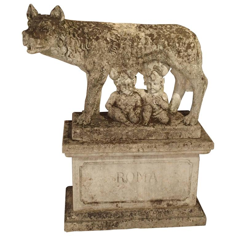 Antique Capitoline Wolf of Rome, Carved Pietra Di Vicenza Stone, circa 1910 1