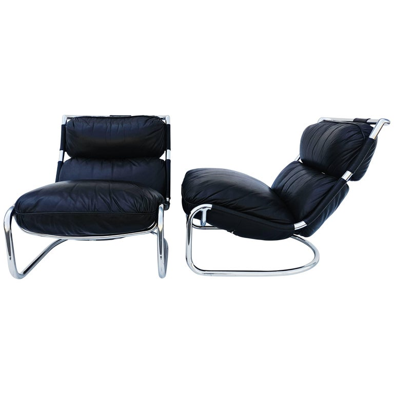 Pair of Italian Leather Lounge Chair, 1970s For Sale
