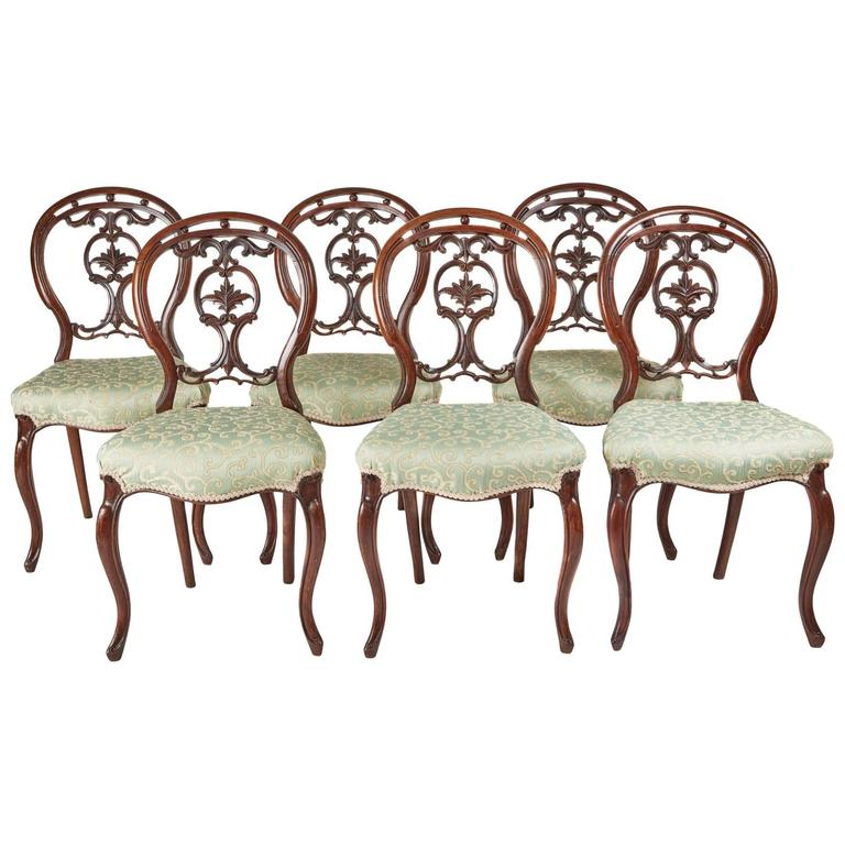 Surprising Set Of Walnut Cabriole Leg Dining Chairs At 1Stdibs Gamerscity Chair Design For Home Gamerscityorg