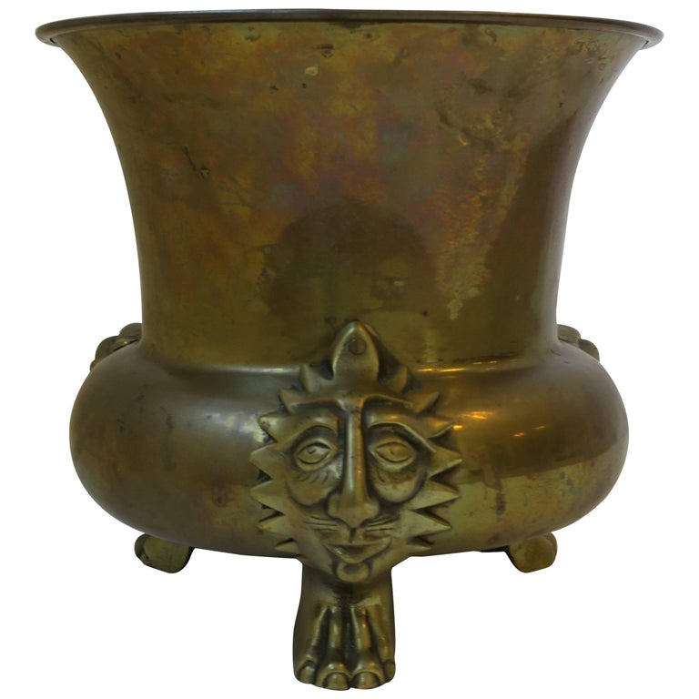 English Brass Cachepot with Lion Head and Paw Feet For Sale