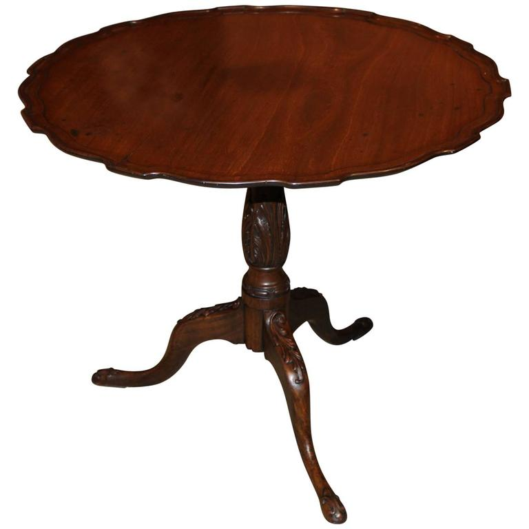 18th Century Georgian Mahogany Pie Crust Carved Tilt-Top Tea Table