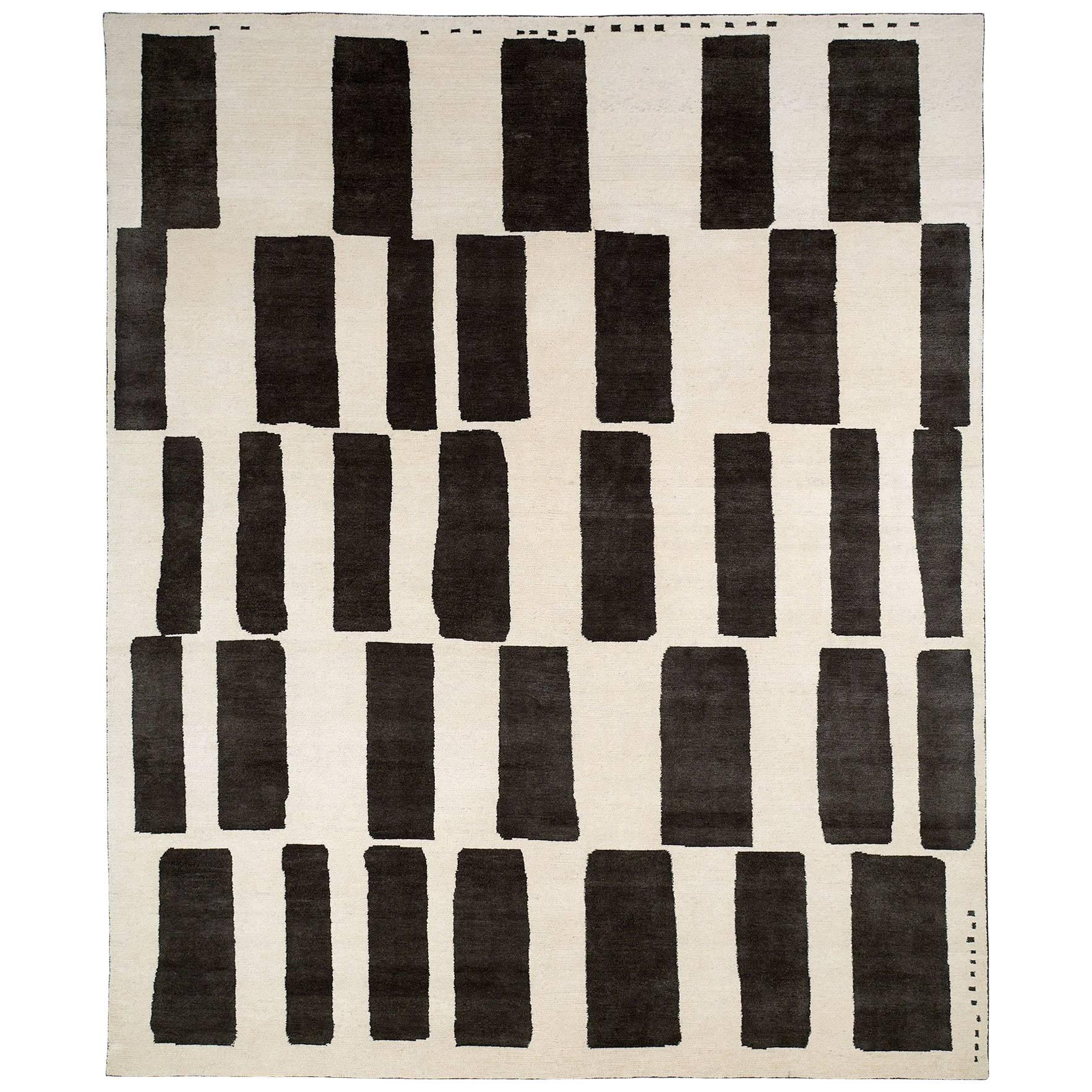 Black and White Tibetan Wool and Silk Area Rug By CARINI 8x10