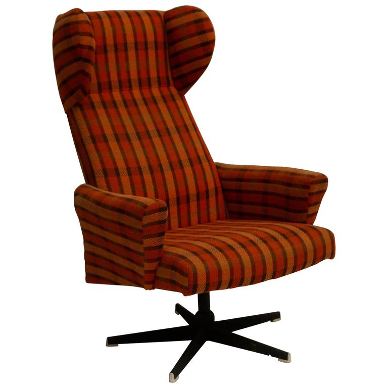 Swivel Lounge Chair For Sale at 1stdibs