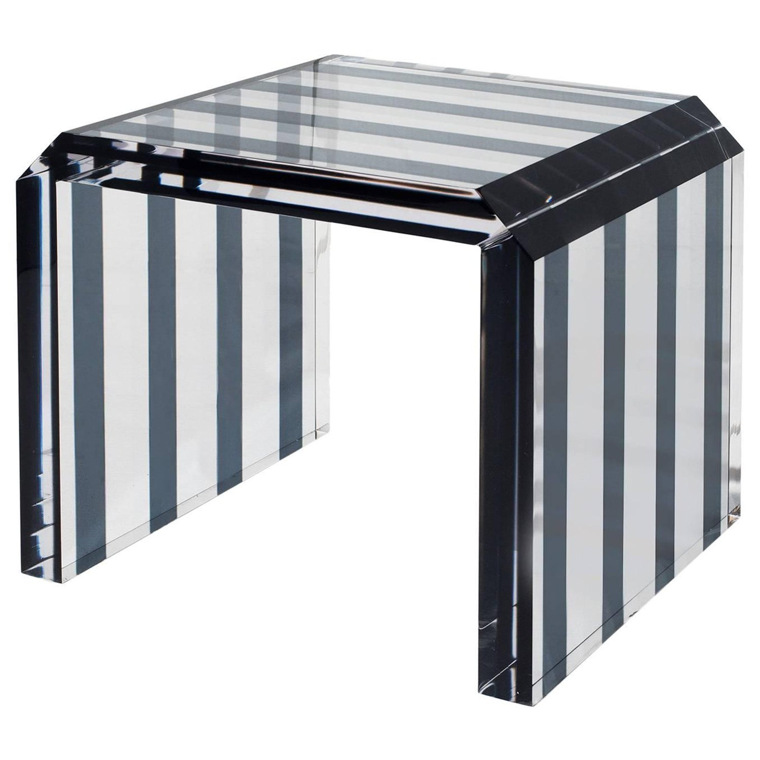 Plexiglass Tables 107 For Sale at 1stdibs