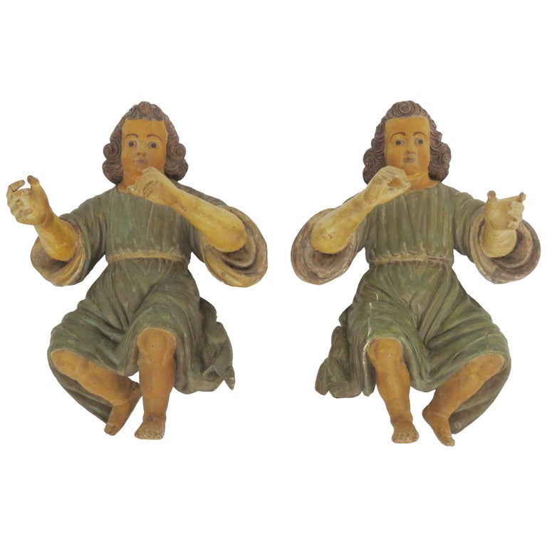 18th Century Large Pair of Polychromed Cherubs For Sale