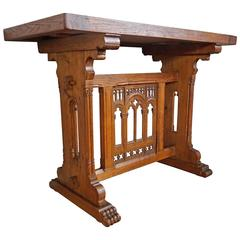 Early 20th Century Hand-Carved Oak Gothic Revival Side Table or Coffee Table