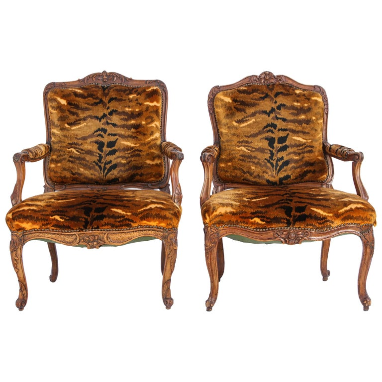 Similar Pair of 18th Century French Regence Walnut Armchairs For Sale