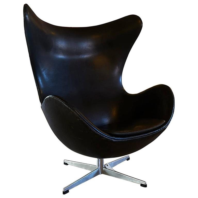 arne jacobsen egg chair original from the 1960s at 1stdibs. Black Bedroom Furniture Sets. Home Design Ideas