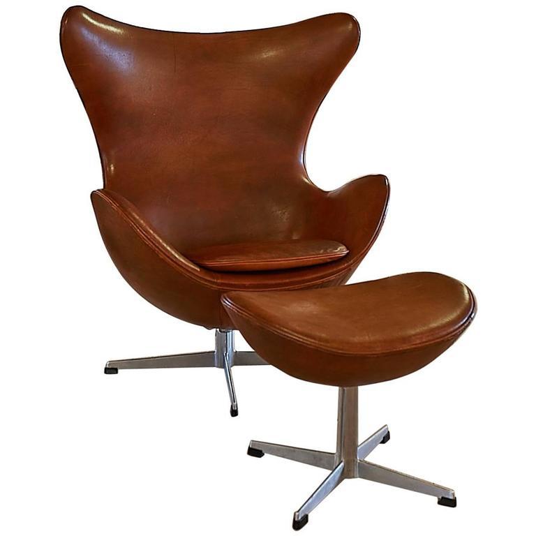 arne jacobsen egg original vintage leather at 1stdibs. Black Bedroom Furniture Sets. Home Design Ideas
