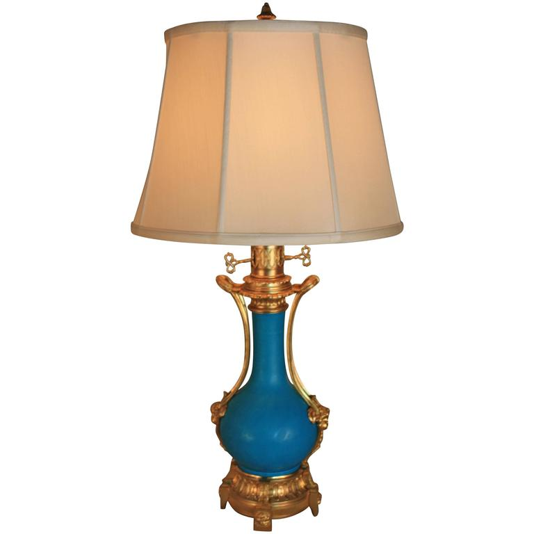 19th Century French Porcelain and Bronze Table Lamp For Sale