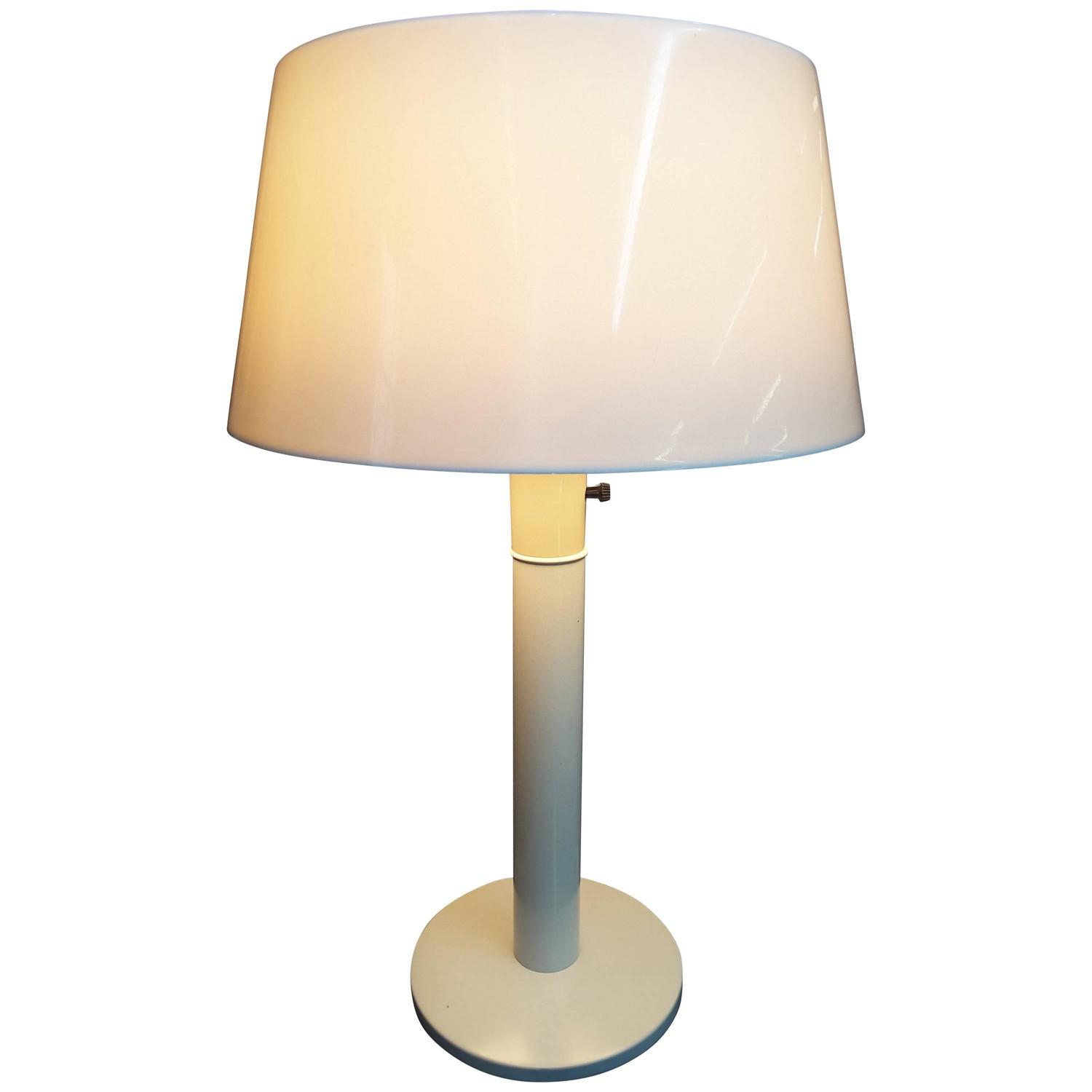 Gerald thurston table lamp for lightolier all in white for sale at gerald thurston table lamp for lightolier all in white for sale at 1stdibs geotapseo Image collections
