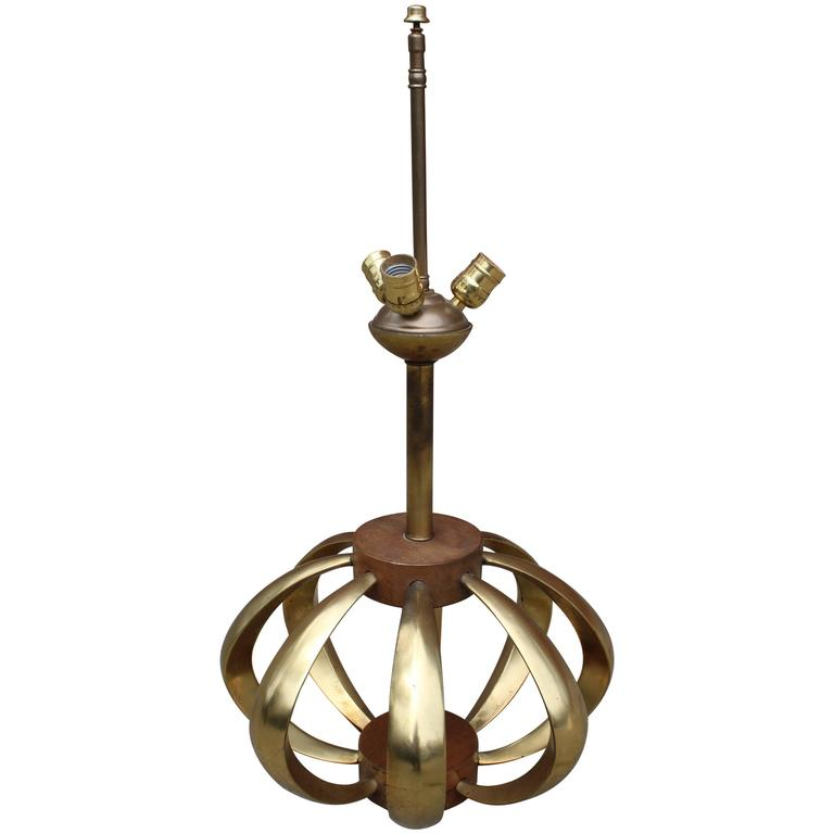 Mid-Century Modern Bronze and Walnut Table Lamp For Sale