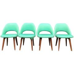 Eero Saarinen for Knoll Side Chairs on Wooden Legs for Re-Upholstery