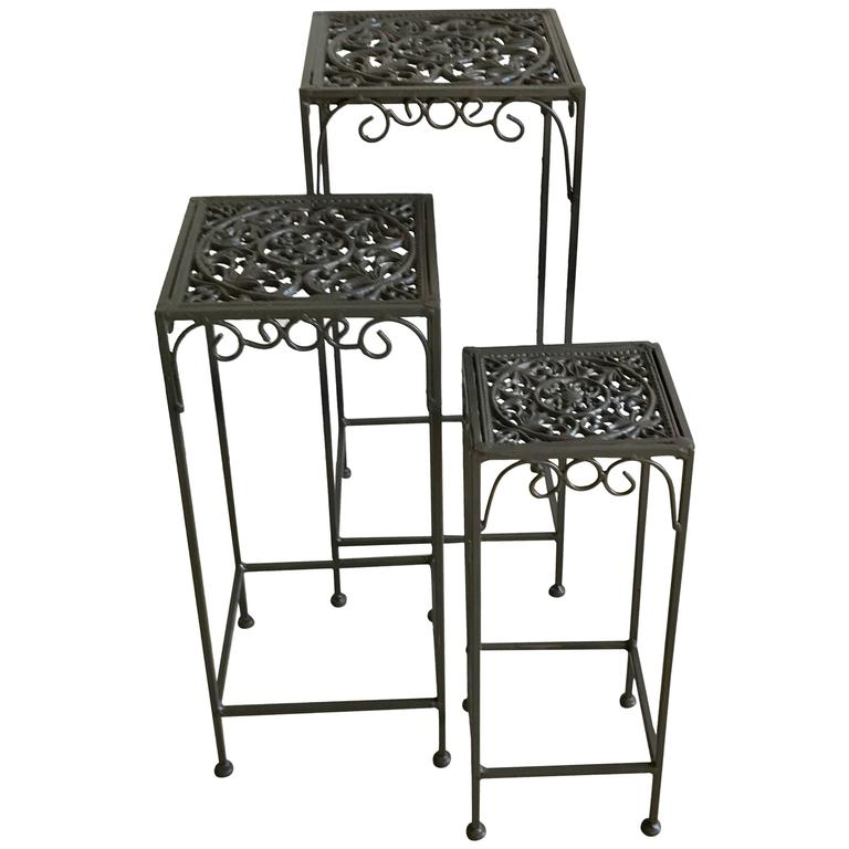 Marvelous Hollywood Regency Cast Iron Small Nesting Tables, 1950s 1