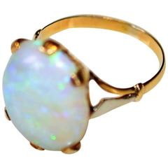 Vintage Gold 18-Karat Ring with Opal